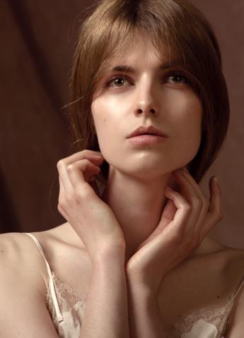 Model: Marie Majer - 10