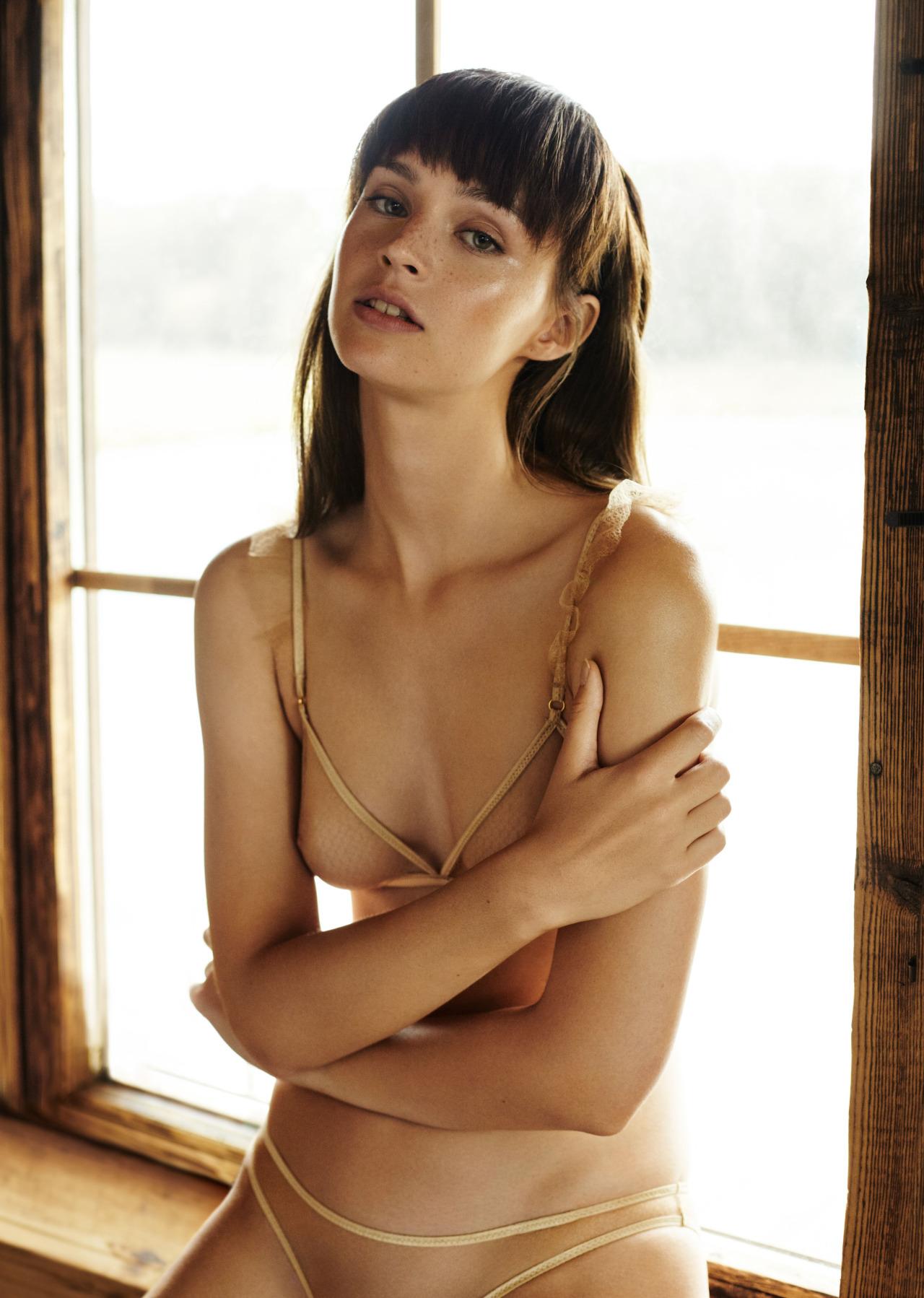 Ida Jablonska Nude Photos 28
